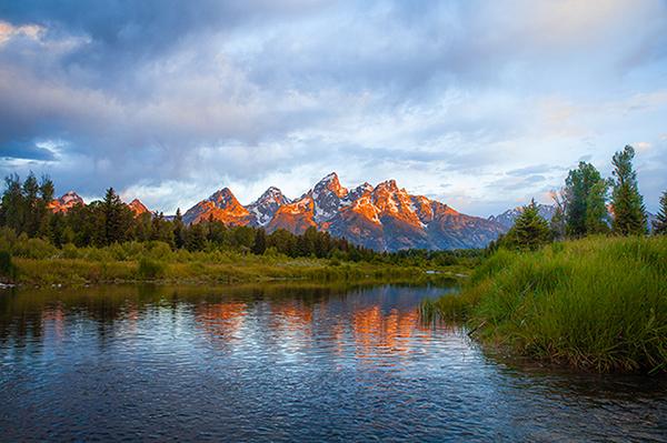 Wyoming lake/mountain